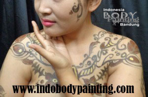 Batik Merak Body Painting 1