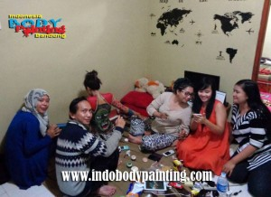 Training Indo body painting