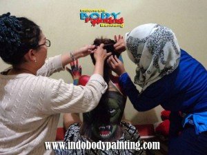Training Indo body painting Sesi Hair Style