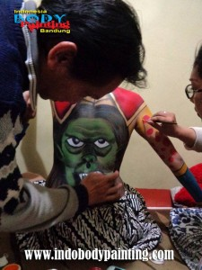 Training Indo body painting tutorial